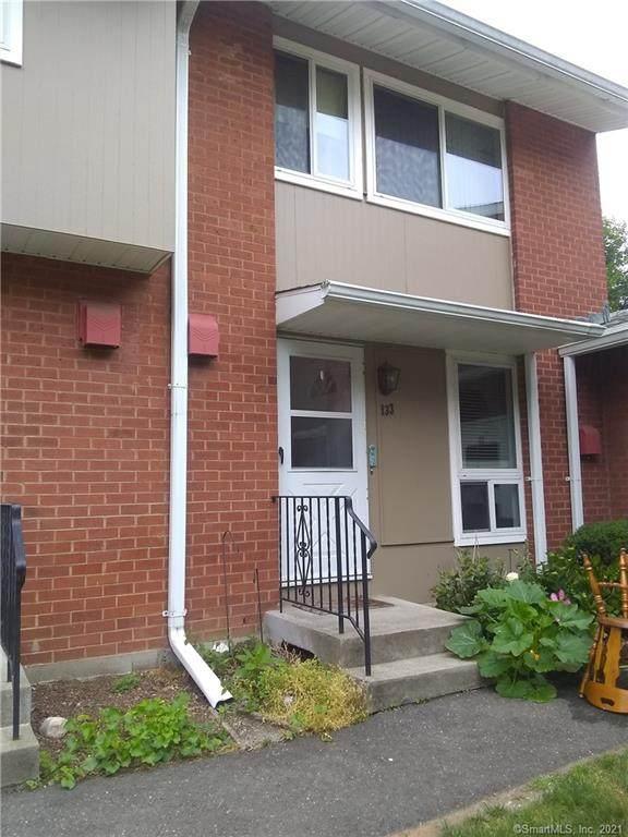 133 Worth Avenue, Hamden, CT 06518 (MLS #170412680) :: Michael & Associates Premium Properties | MAPP TEAM
