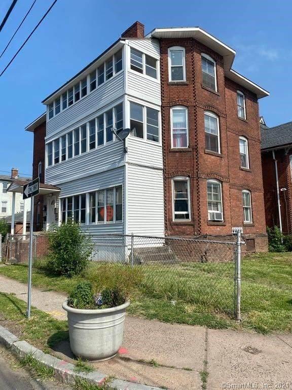 188 Russ Street, Hartford, CT 06106 (MLS #170415096) :: Linda Edelwich Company Agents on Main