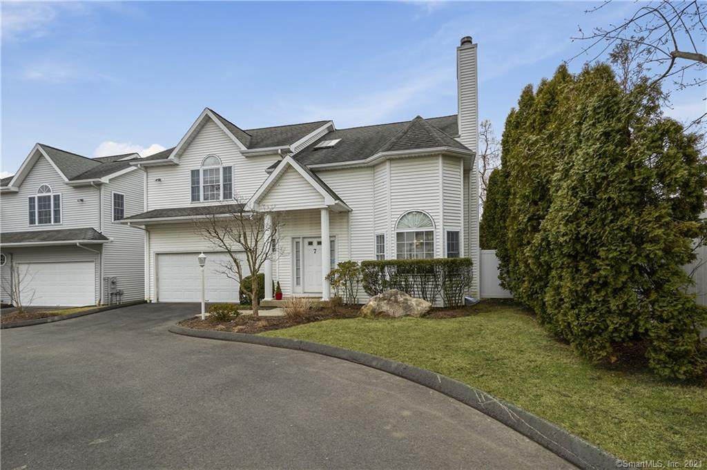 168 Colonial Road - Photo 1