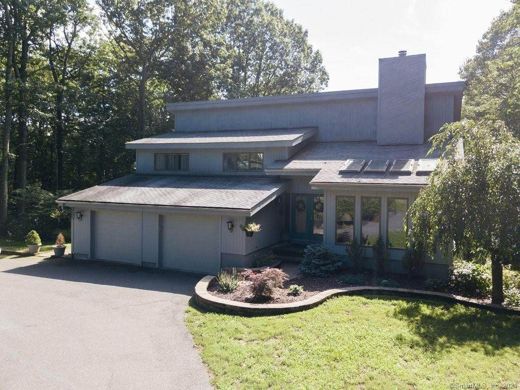 9 Carriage Hill Drive - Photo 1