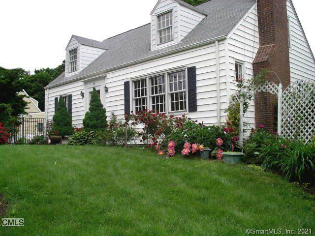 11 Locust Lane, Stamford, CT 06905 (MLS #170421363) :: Kendall Group Real Estate | Keller Williams