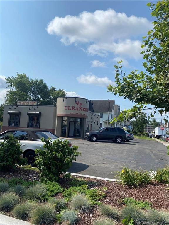581 Albany Avenue, Hartford, CT 06112 (MLS #170422841) :: GEN Next Real Estate