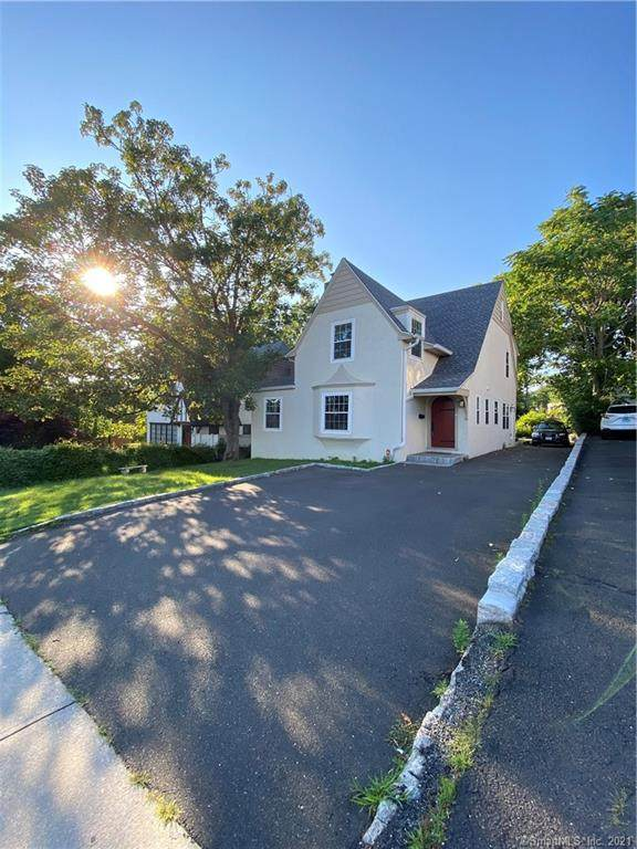 55 Strawberry Hill Court, Stamford, CT 06902 (MLS #170423130) :: Next Level Group