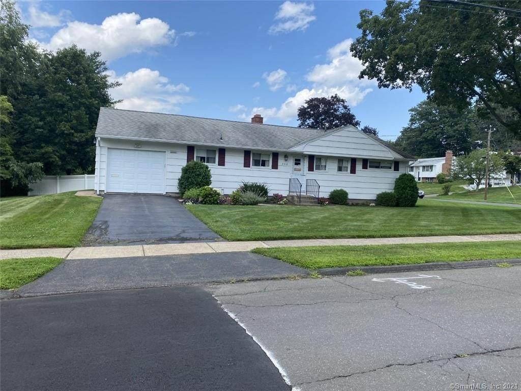 202 Elmfield Street - Photo 1