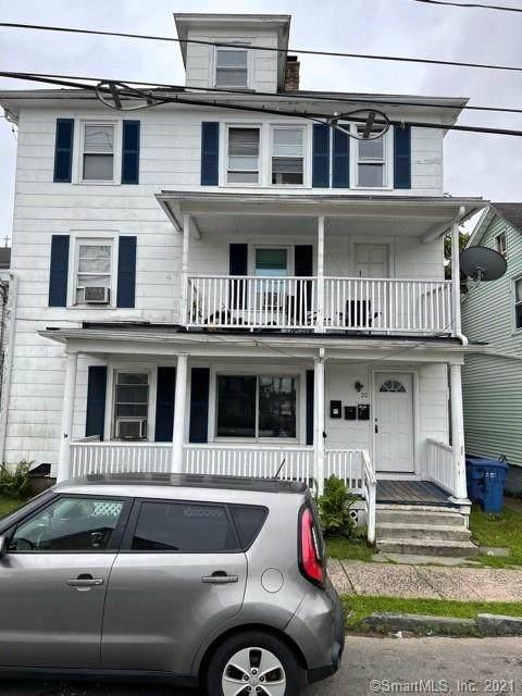 20 Pine Street, Meriden, CT 06451 (MLS #170425315) :: Carbutti & Co Realtors