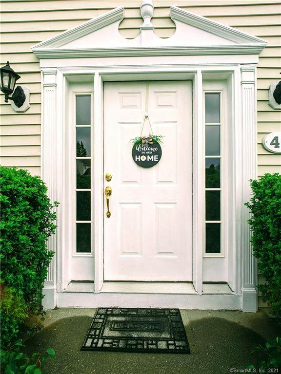 41 White Oak Drive, Danbury, CT 06810 (MLS #170429100) :: Linda Edelwich Company Agents on Main