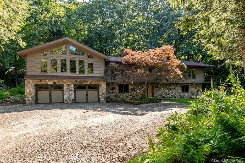 9 Sand Hill Road - Photo 1