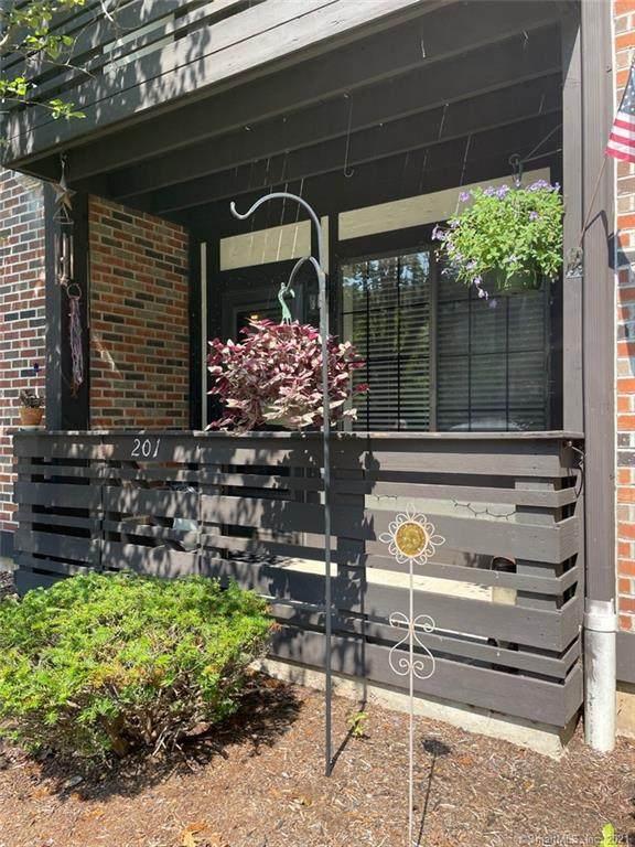365 Mather Street #201, Hamden, CT 06514 (MLS #170432826) :: Kendall Group Real Estate | Keller Williams
