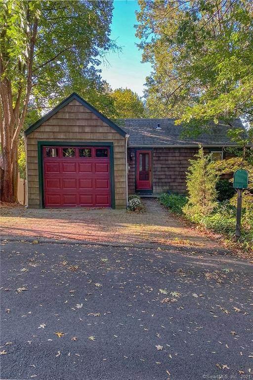 15 Carol Drive, Norwalk, CT 06851 (MLS #170439777) :: Michael & Associates Premium Properties | MAPP TEAM