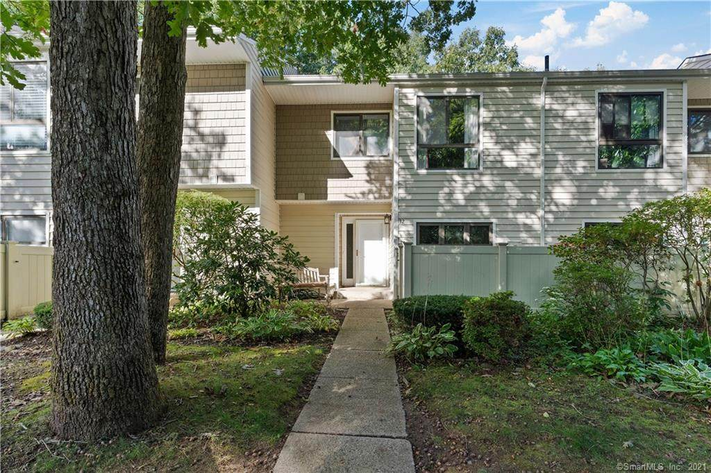 32 Currier Place - Photo 1