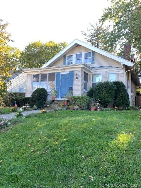 18 Newtown Terrace, Norwalk, CT 06851 (MLS #170440920) :: Chris O. Buswell, dba Options Real Estate