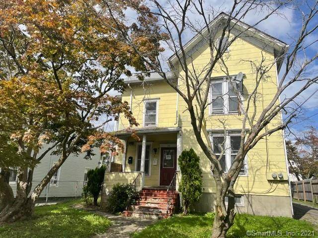 27 Center Street, Danbury, CT 06810 (MLS #170441585) :: Michael & Associates Premium Properties | MAPP TEAM