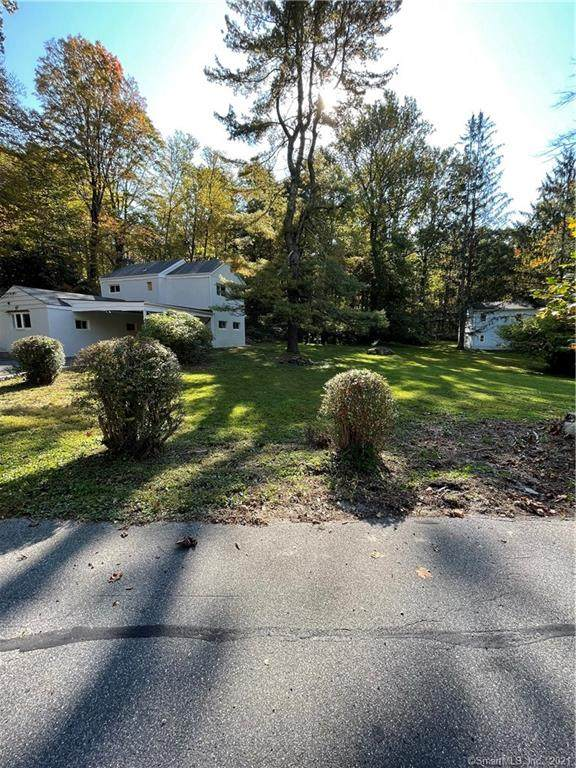 86 Pocahontas Road, Redding, CT 06896 (MLS #170445719) :: Chris O. Buswell, dba Options Real Estate