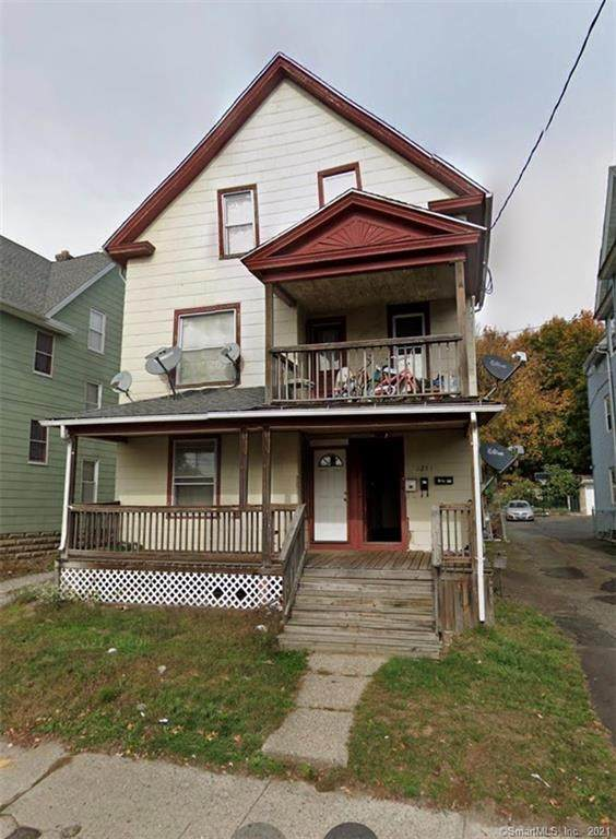 1251 E Main Street, Waterbury, CT 06705 (MLS #170445764) :: Michael & Associates Premium Properties | MAPP TEAM