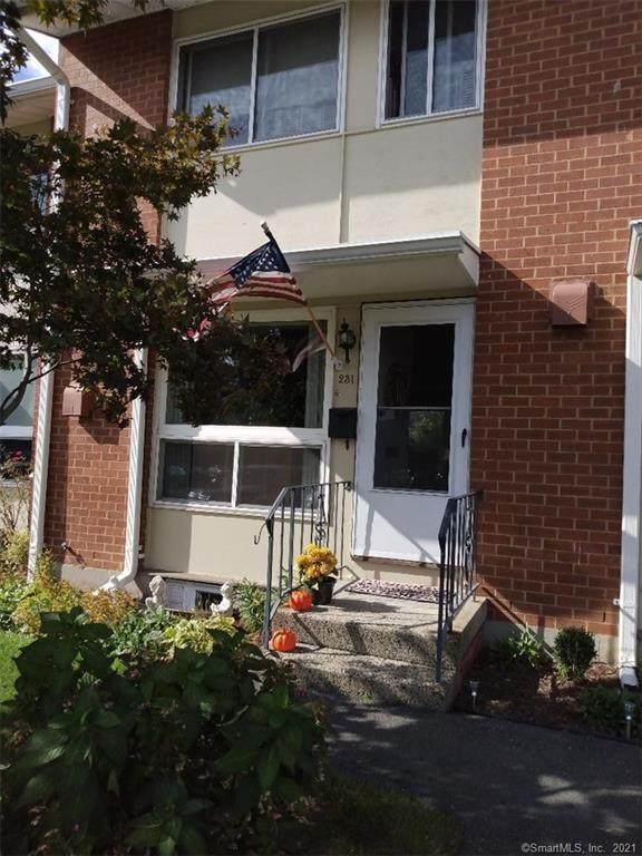231 Centerbrook Road, Hamden, CT 06518 (MLS #170446485) :: Michael & Associates Premium Properties | MAPP TEAM