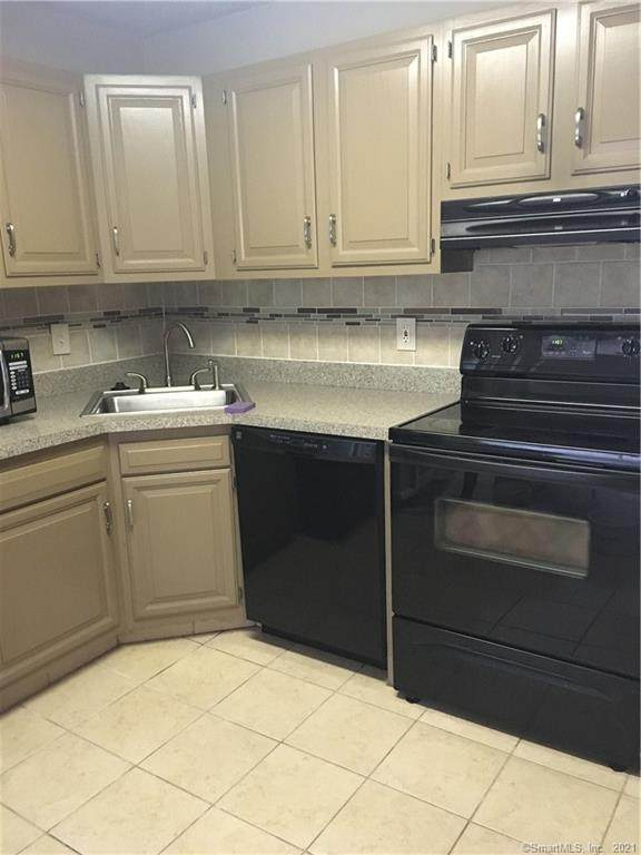 1512 Twin Circle Drive #1512, South Windsor, CT 06074 (MLS #170446554) :: Linda Edelwich Company Agents on Main
