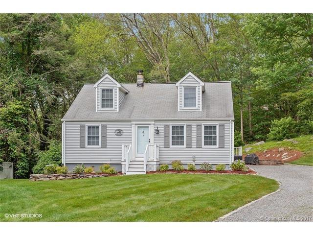 8 Stone Cliff Ln, Norwich, CT 06360 (MLS #E10221928) :: Hergenrother Realty Group Connecticut
