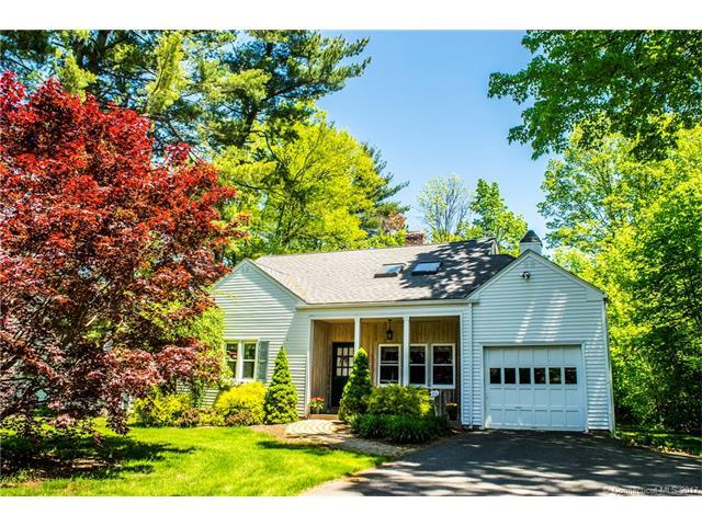 8 Woodruff Rd, W Hartford, CT 06107 (MLS #G10231977) :: Hergenrother Realty Group Connecticut