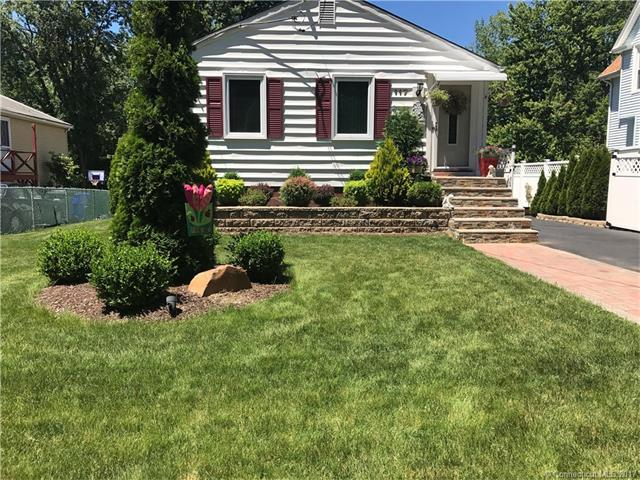 117 Ridge Rd, Wethersfield, CT 06109 (MLS #G10232428) :: Hergenrother Realty Group Connecticut