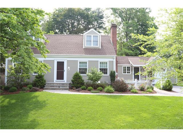 35 Round Hill Rd, North Haven, CT 06473 (MLS #N10231518) :: Carbutti & Co Realtors