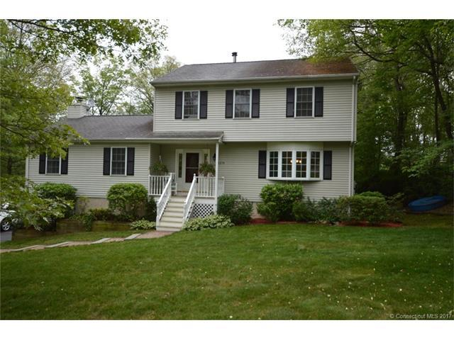 1274 Highview Ter, Cheshire, CT 06410 (MLS #N10232421) :: Carbutti & Co Realtors