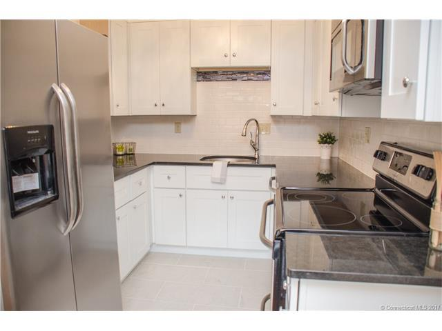 25 Florence Rd #20, Branford, CT 06405 (MLS #N10232438) :: Carbutti & Co Realtors