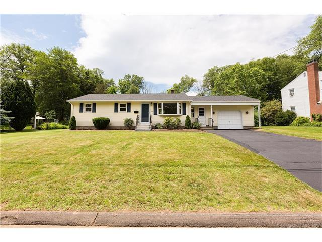 256 Hickory Cir, Middletown, CT 06457 (MLS #P10231838) :: Carbutti & Co Realtors