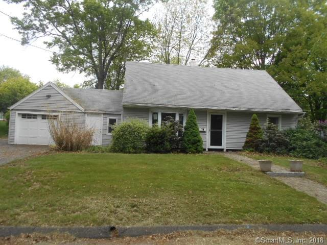70 Castle Drive, Stratford, CT 06614 (MLS #170085790) :: The Higgins Group - The CT Home Finder