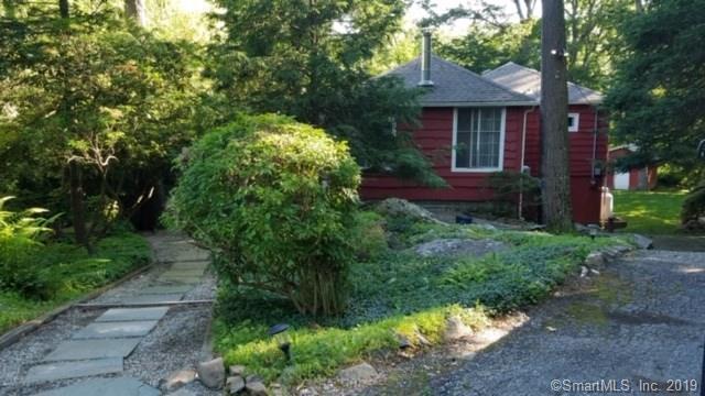 33 Inglenook Road, New Fairfield, CT 06812 (MLS #170199121) :: Michael & Associates Premium Properties | MAPP TEAM