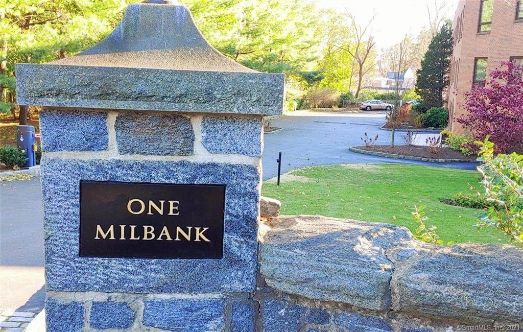 1 Milbank Avenue - Photo 1