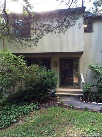 10 Deer Hill Court #10, Woodbury, CT 06798 (MLS #170254485) :: Michael & Associates Premium Properties   MAPP TEAM