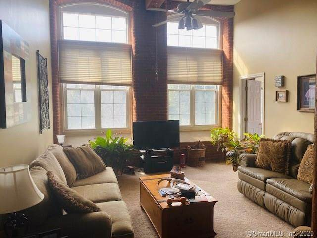 45 Main Street #302, Plainfield, CT 06374 (MLS #170271623) :: The Higgins Group - The CT Home Finder