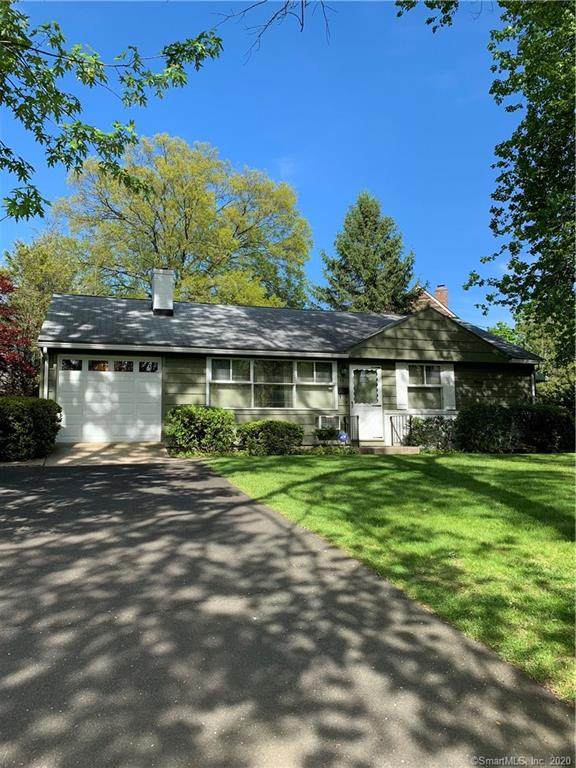 16 Kenilworth Drive W, Stamford, CT 06902 (MLS #170274691) :: Carbutti & Co Realtors