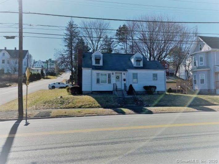 696 Howe Avenue - Photo 1