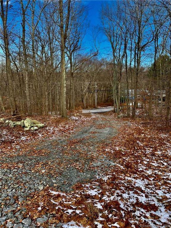 220 Chesterfield Road, Montville, CT 06370 (MLS #170359372) :: Around Town Real Estate Team