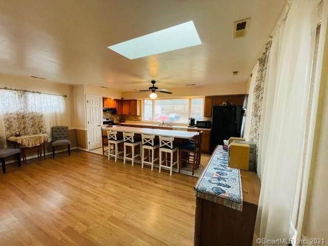 6 Hall Street, West Haven, CT 06516 (MLS #170366417) :: Michael & Associates Premium Properties | MAPP TEAM