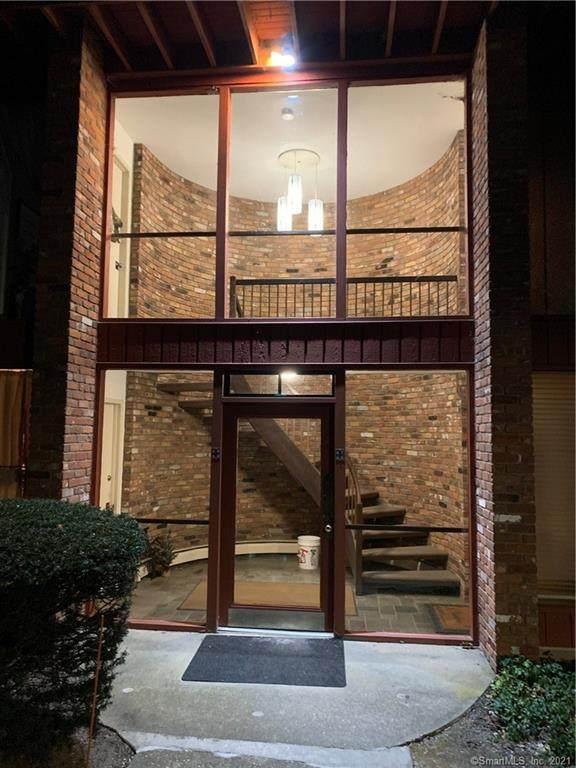 126 Sherman Hill Road A9, Woodbury, CT 06798 (MLS #170367037) :: Mark Boyland Real Estate Team