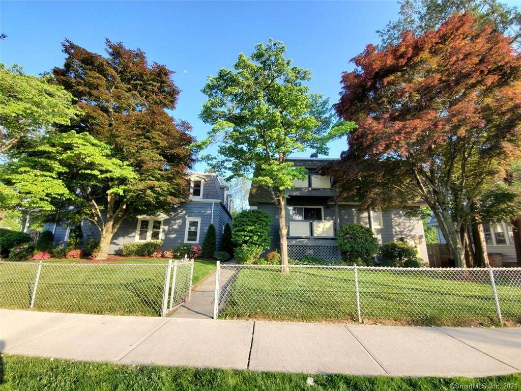 14 Forest Lawn Avenue - Photo 1