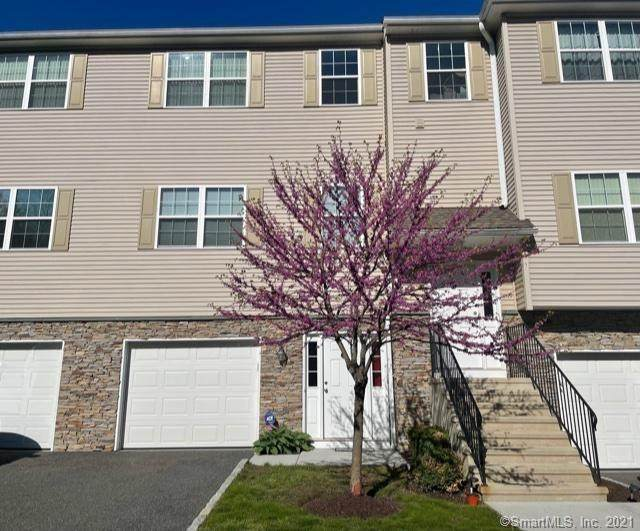 27 Riverview Court #27, Brookfield, CT 06804 (MLS #170396031) :: Next Level Group