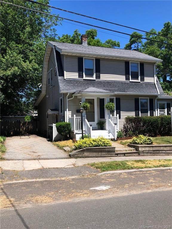 17 Baldwin Street, Milford, CT 06460 (MLS #170412485) :: Team Feola & Lanzante   Keller Williams Trumbull