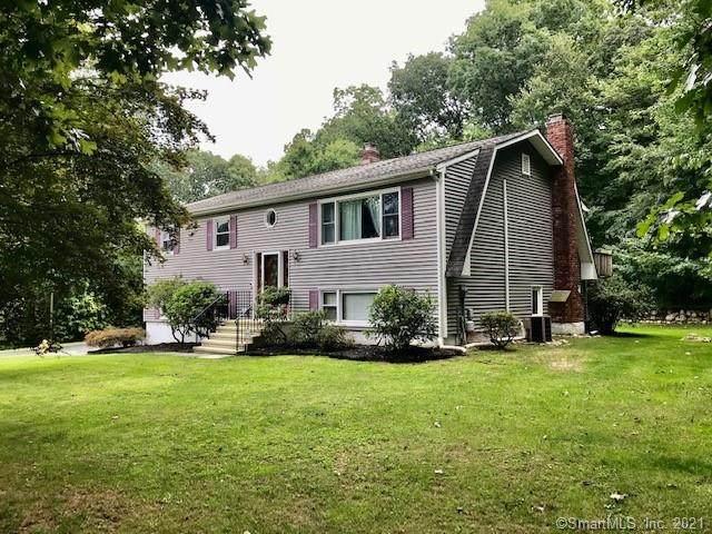 35 Oak Ridge Road, Bethel, CT 06801 (MLS #170437047) :: Chris O. Buswell, dba Options Real Estate