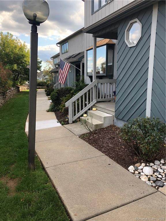204 Skyview Drive #204, Cromwell, CT 06416 (MLS #170447368) :: Next Level Group