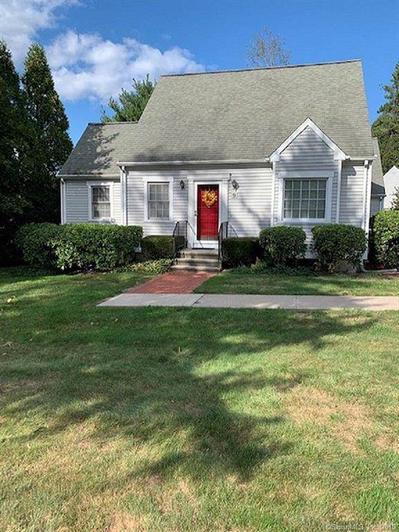 9 Rosebud Drive #9, Trumbull, CT 06611 (MLS #170237814) :: The Higgins Group - The CT Home Finder