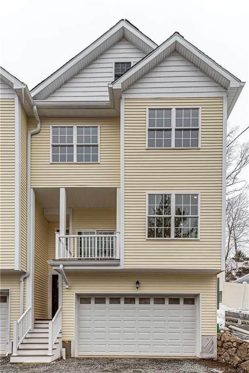 82 Columbus Place #4, Stamford, CT 06907 (MLS #170372516) :: Around Town Real Estate Team