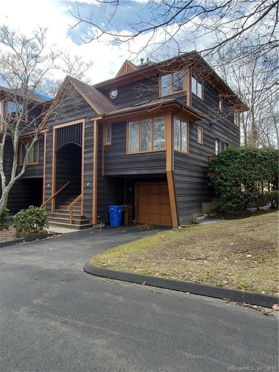 27 Tamarac Ridge Circle #27, Shelton, CT 06484 (MLS #170172555) :: Mark Boyland Real Estate Team