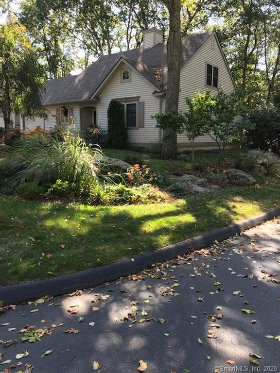 1 Blueberry Lane #1, East Lyme, CT 06357 (MLS #170343995) :: GEN Next Real Estate