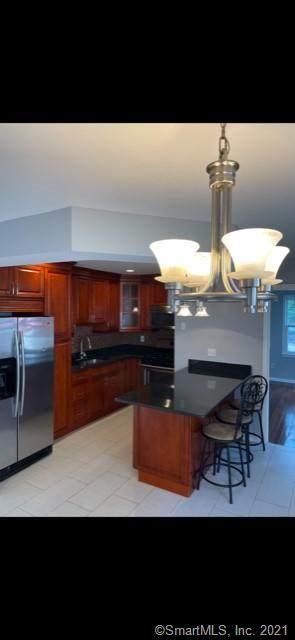 72 Sunrise Avenue #72, Fairfield, CT 06824 (MLS #170383478) :: Kendall Group Real Estate | Keller Williams