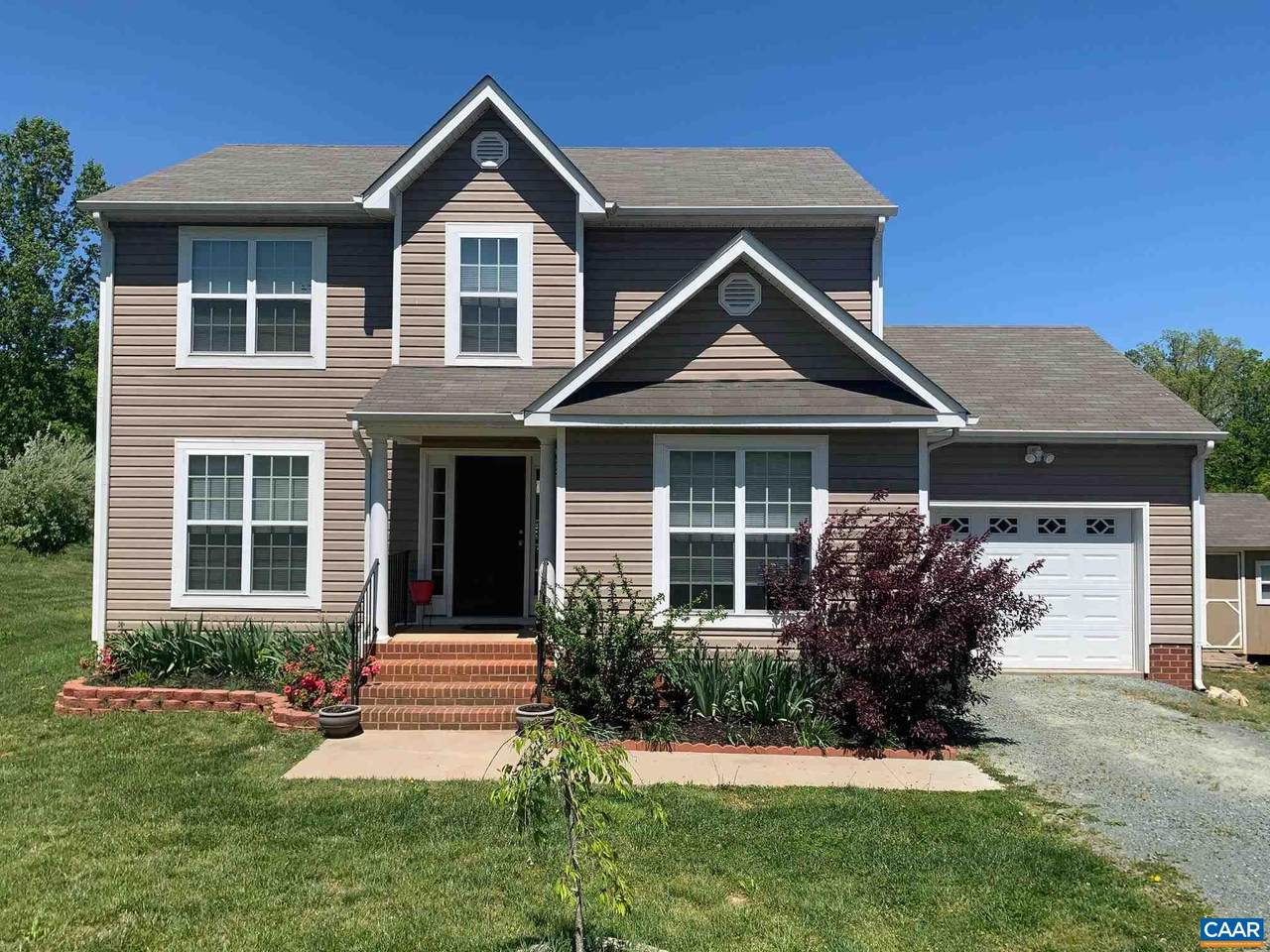 115 Carriage Hill Rd - Photo 1