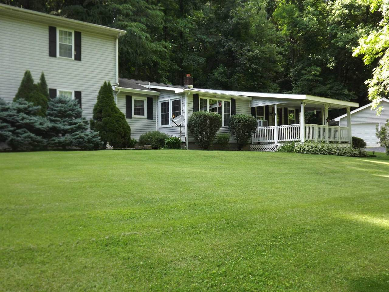 887 Bright Hollow Rd - Photo 1