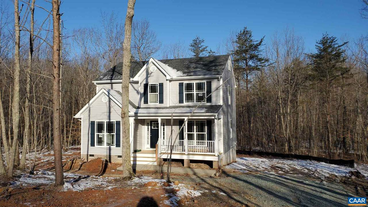 16 Colonial Rd - Photo 1